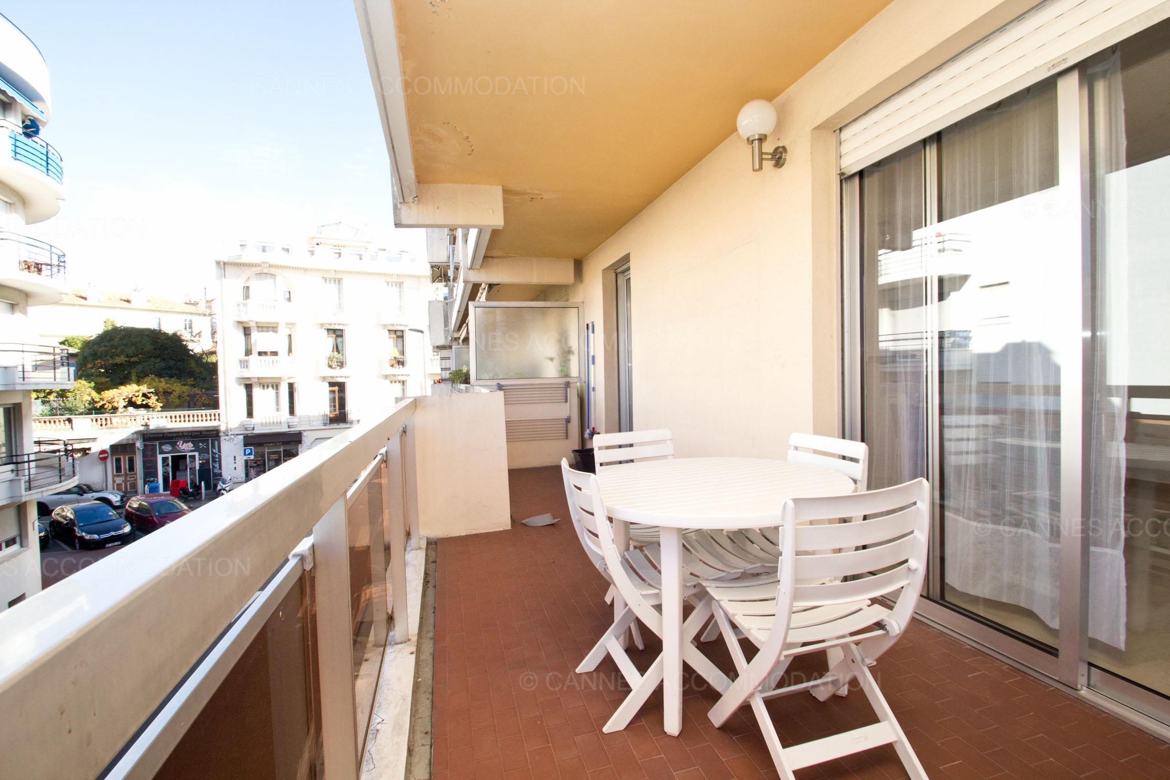 Appartement 1 chambre louer cannes carnot cc mathieu for 1 chambre a louer