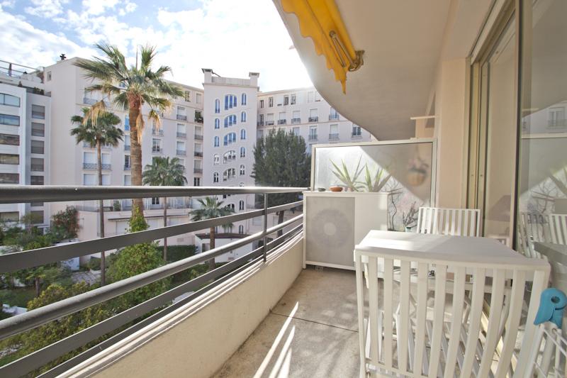 Appartement 1 chambre louer cannes secteur carlton martinez cm rouaze 410 cannes accommodation - Prix chambre carlton cannes ...