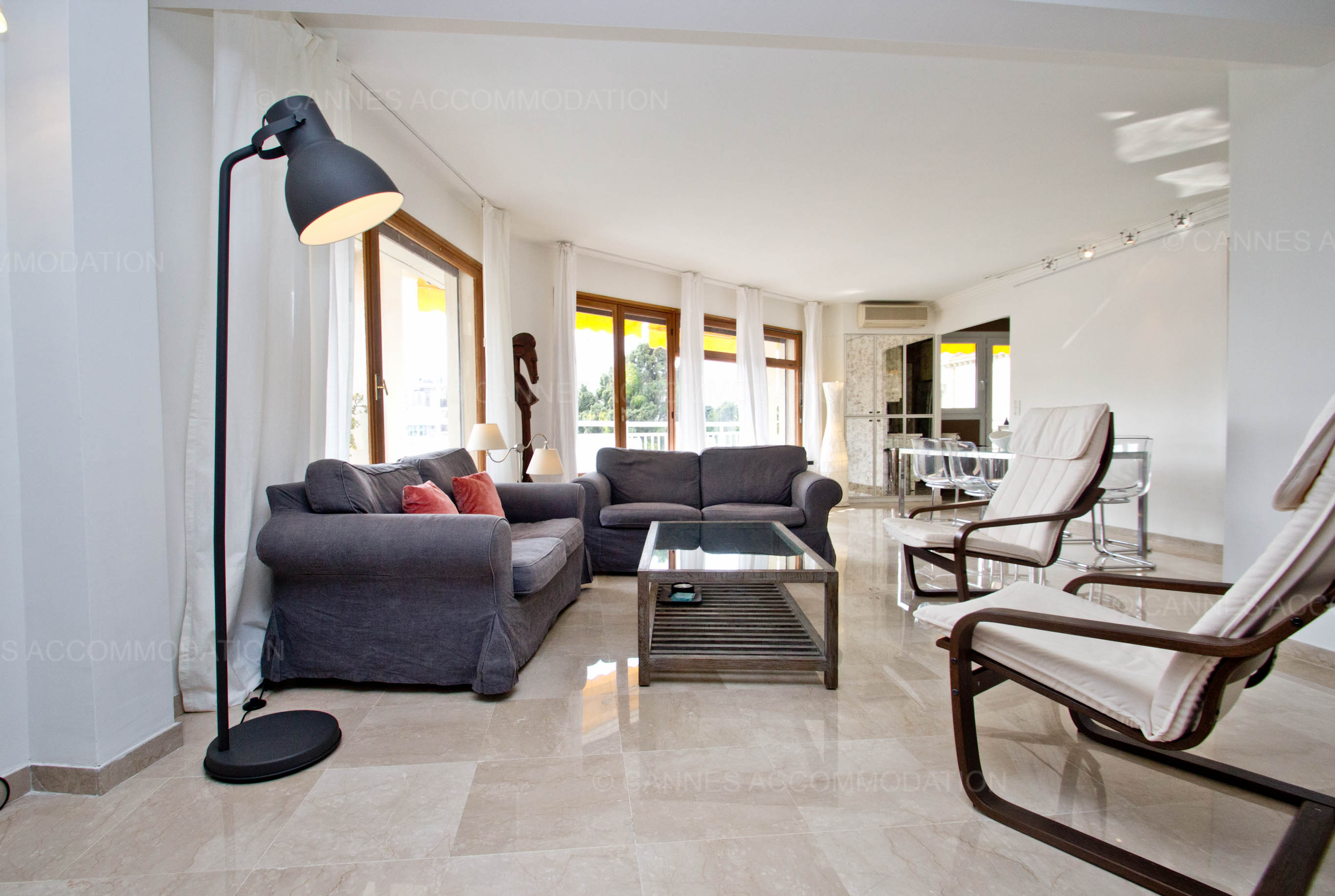 Appartement 2 chambres louer cannes secteur carlton martinez corou cannes accommodation - Prix chambre carlton cannes ...