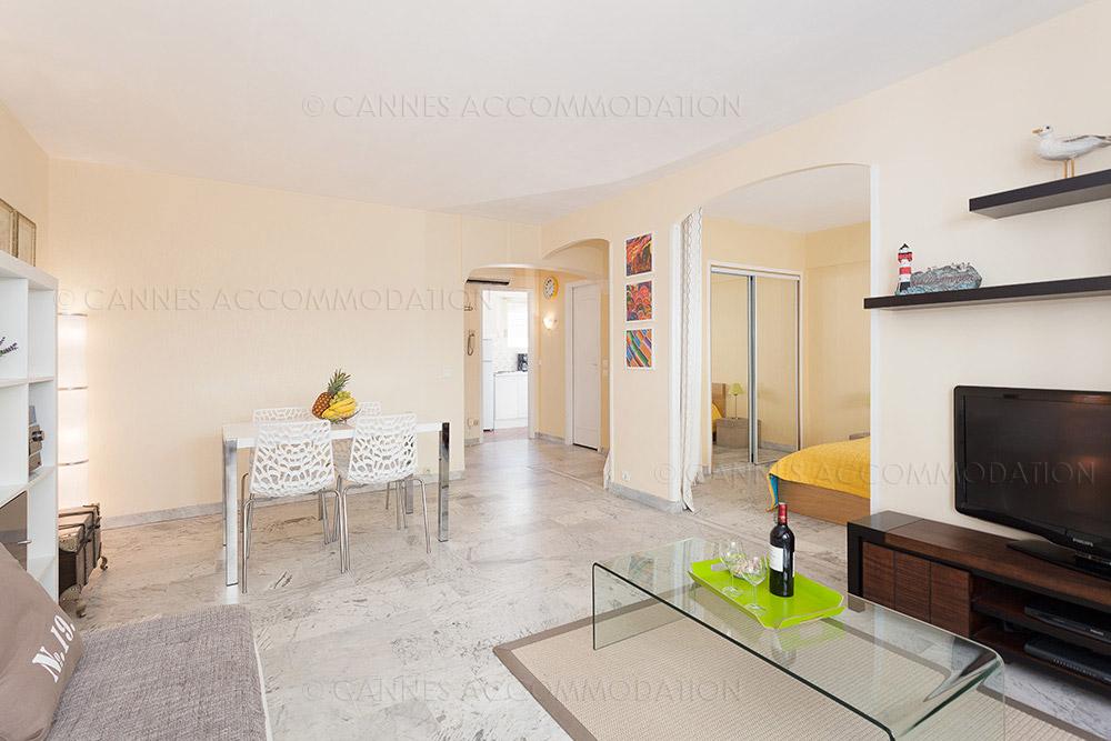 Appartement 1 chambre louer cannes proche palais maia for 1 chambre a louer