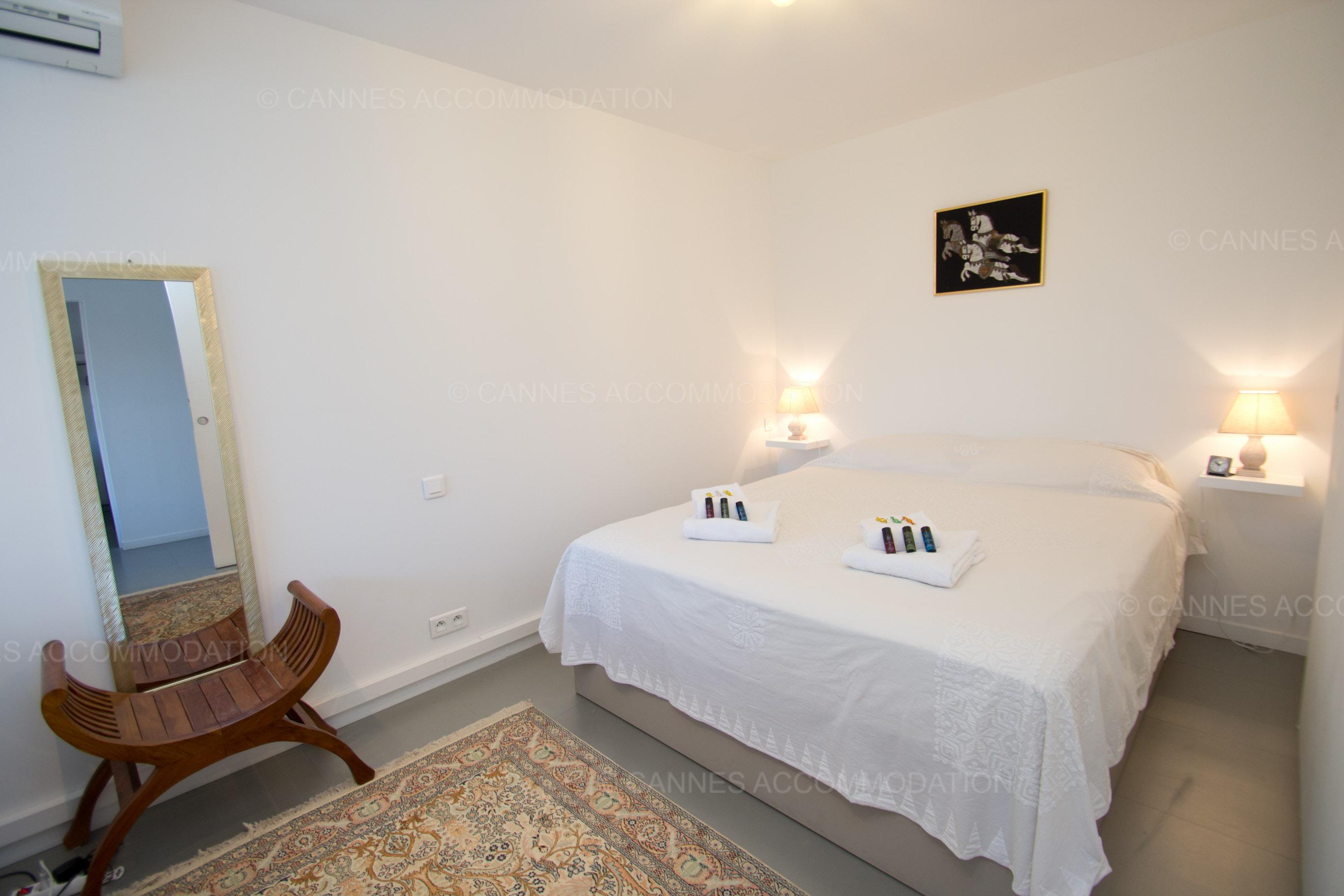 Appartement 2 chambres louer cannes secteur carlton martinez samsara cannes accommodation - Prix chambre carlton cannes ...