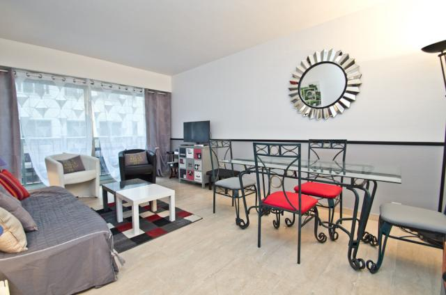 Cannes Film Festival 2020 apartment rental D -76 - Hall â?? living-room - Alexandrie