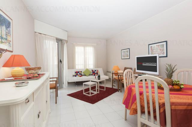 Location appartement Cannes Lions 2020 J -154 - Hall â?? living-room - Lemoine