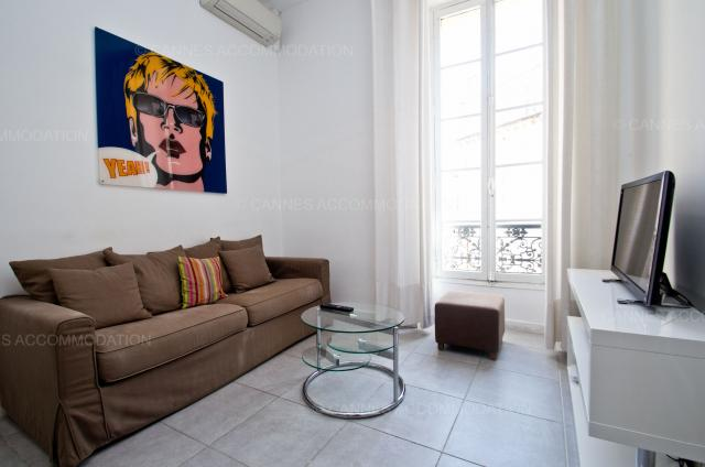 Holiday apartment and villa rentals: your property in cannes - Hall â?? living-room - Marga